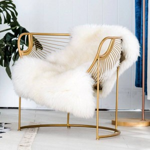 2019 Nueva silla de comedor nórdica de hierro Art House Modern Modern Ins Ins Red de maquillaje Silla de ocio Silla de respaldo Simple Mesa de comedor