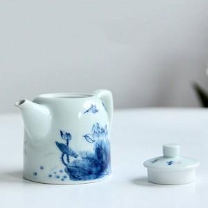 240 ml Porcelana Mango Tetera Pintado a mano Patrón de loto Kung Fu Juego de té Drinkware Puer Oolong Té Caldera enviada Amigo