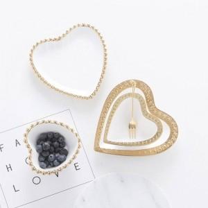 InsFashion elegante y de lujo en forma de corazón, plato de joyería de cerámica blanca pura y plato de postre para la chica de la moda y minoristas