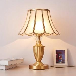 Continental americano cobre lámpara de mesa de lujo arte retro decoración luz minimalista moda estudio creativo dormitorio mesita de noche