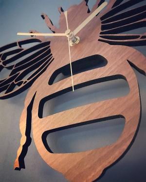 Creativo bambú / madera abeja reloj de pared jardín naturaleza decoración pared pared colgante mesa relojes reloj de cuarzo sala dormitorio