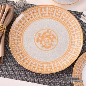 Estilo europeo juego de vajilla de cerámica hueso moda Diseño rojo 4 unids juegos de vajilla conjunto de cena de rayas regalos de inauguración de la casa
