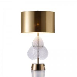 Hojas de vidrio Poste moderno lámpara de mesa dormitorio lámpara de noche creativo diseñador sala de estar estudio Europa paño de oro arte lámpara de la sombra