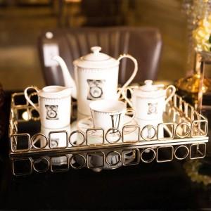 Bandeja dorada Decoración suave para el hogar Juego de té de escritorio Bandeja de almacenamiento Decoración Hotel Bandeja rectangular de metal