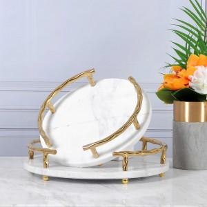 Bandeja de servicio de mármol natural blanco de clase alta de InsFashion con mango dorado para el hombre rico y la decoración de un hotel de 5 estrellas