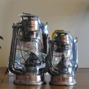 Lámpara de estilo mediterráneo Bronce Aceite Artículos de decoración de lámparas de hierro Lámpara de huracán de hierro Portavelas