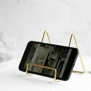 Estante de almacenamiento de metal dorado Vogue Modern Holder Nordic Iron Misceláneas Escritorio Soporte para almacenamiento de teléfono móvil para PAD Organizador Inicio
