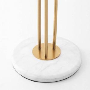 Nuevas lámparas de pie clásicas y creativas de 3 cabezas Plateado Lustre de metal dorado Hotel villa Lujo Deco LED Luz de pie Mármol