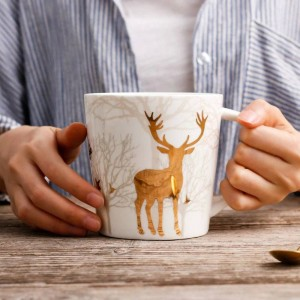 Estilo nórdico taza de cerámica Golden Deer Plating 550 ML Taza de la mañana Leche Café Té Desayuno Porcelana Drinkware Taza Utensilios de cocina