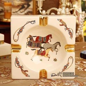 Cenicero de porcelana porcelana marfil 4 tamaños dios caballos diseño forma cuadrada decoración del hogar suministros regalos de empresa inauguración de la casa