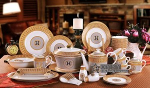 """Cuenco de porcelana hueso """"H"""" marca diseño de mosaico contorno en forma redonda dorada cuenco de 4.5 """"cuenco de arroz de 4.5"""" coincide con una cuchara pequeña para usar"""