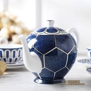 Juego de café de porcelana patrón de diseño de patrón de mobiliario para el hogar de hueso ultrafino en oro 15 piezas Juego de té europeo olla