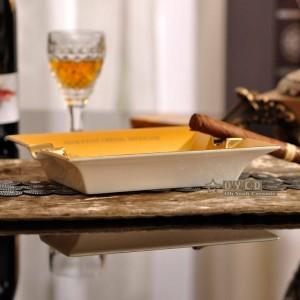 Cenicero de porcelana de moda hueso Caballo cuadrado diseño de contorno en forma de oro cenicero de cigarro regalo de decoración de cigarrillos