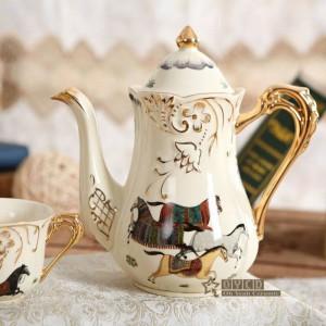 Juego de té de porcelana marfil porcelana dios caballos diseño esquema en oro 8 piezas juegos de té juego de tazas con bandeja tetera bandeja de té