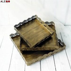 Placa de almacenamiento de mesa de oficina de metal nórdico retro Elegante elegante de lujo Bandeja de almacenamiento de escritorio de oficina de encaje dorado dorado Organizador de magdalena