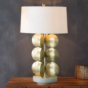 Lámpara de mesa sencilla, moderna y de color dorado, blanca. Lámpara de escritorio con pantalla fabirc. Decoración Lampe creative E27 3W bombilla led Nordic Light