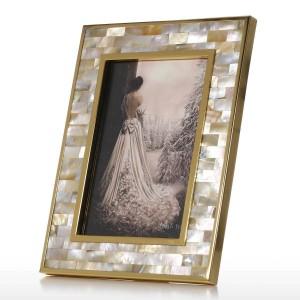 Marco de fotos con carcasa dorada Carcasa negra para labios Piano de madera Barnizado Barnizado Tecnología Estudio de oficina y adornos de dormitorio