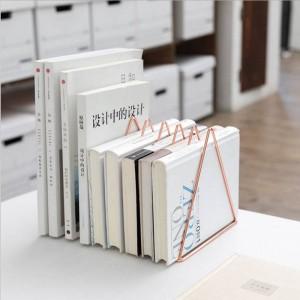 Estante de almacenamiento de mesa de metal triangular Rosa de oro Escritorio nórdico Cesta de almacenamiento Revista Documentos en papel Organizador Decoración del hogar
