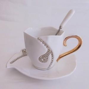 Diseño de diamantes Taza de café Amantes del regalo creativo Tazas de té Tazas de cerámica 3D con diamantes de imitación Decoración Tazas y platillos